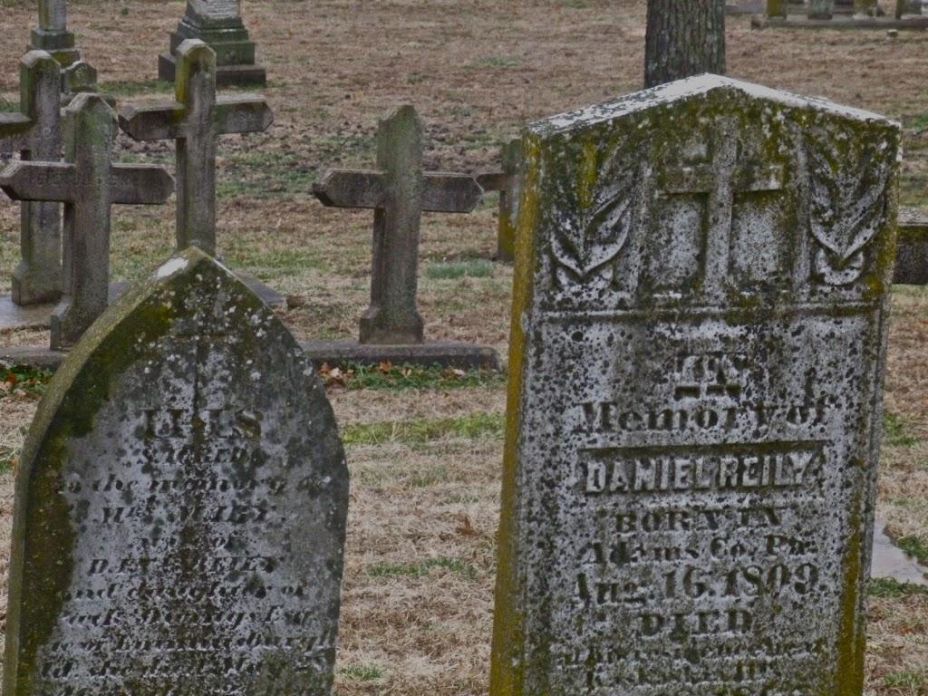 Kaskaskia-Overlook-grave