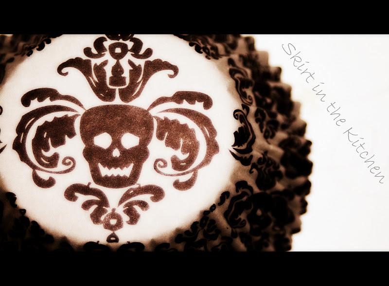 skull-cupcake-liners-print