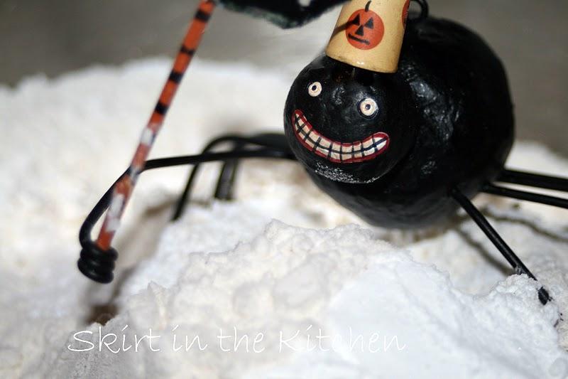 spider-flour-grin